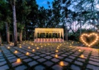 カユマニス・ヌサドゥア グリーン・パティオ・ガーデン テント・パーティー会場装飾 ピーチ