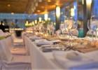 カユマニス・ヌサドゥア ピアサン・レストラン テーブル装飾 一例