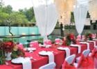 カユマニス・ヌサドゥア プールサイド テント・テーブル装飾 レッド