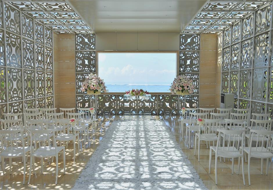 ザ・ムリア・バリ ハーモニー・チャペル・ウェディング ピンク&ホワイト基本装飾 挙式会場
