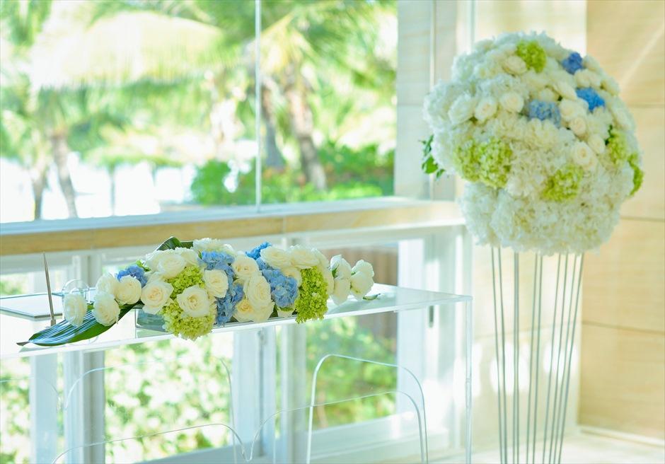 ザ・ムリア・バリ挙式 ハーモニー・チャペル・ウェディング ブルー&ホワイト 祭壇装飾