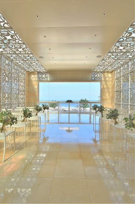 ザ・ムリア・バリ ハーモニー・チャペル ボタニカル・ウェディング 高級花材を使用した挙式会場装飾