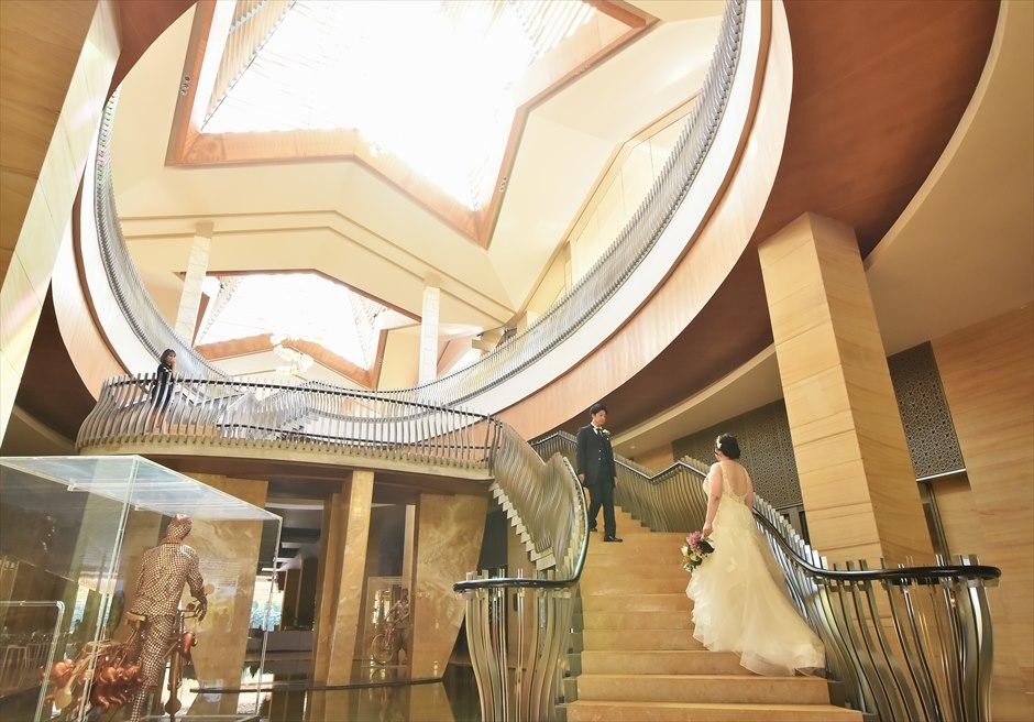 ザ・ムリア・バリホテル内回廊にて挙式前撮影
