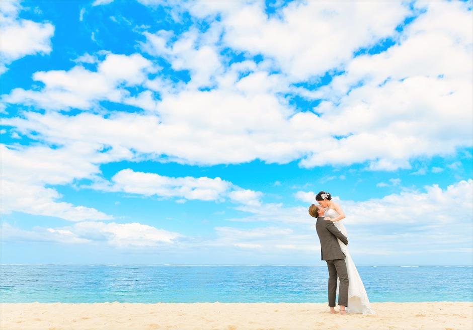 バリ島内で随一に美しい白砂ビーチ ムリア・バリ・フォト・ウェディング