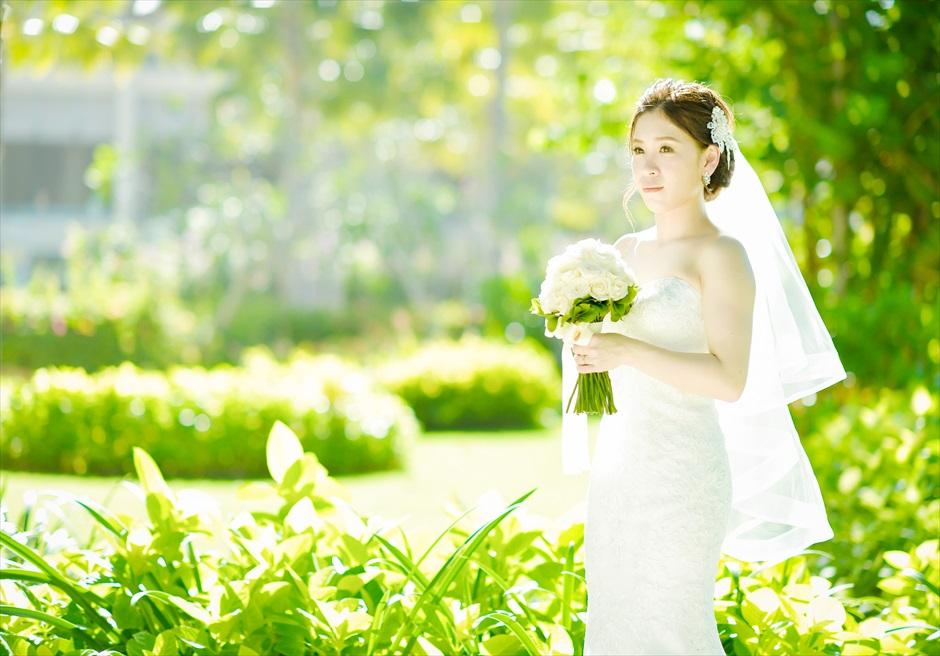 緑豊かなムリア・リゾート内ガーデン フォト・ウェディング