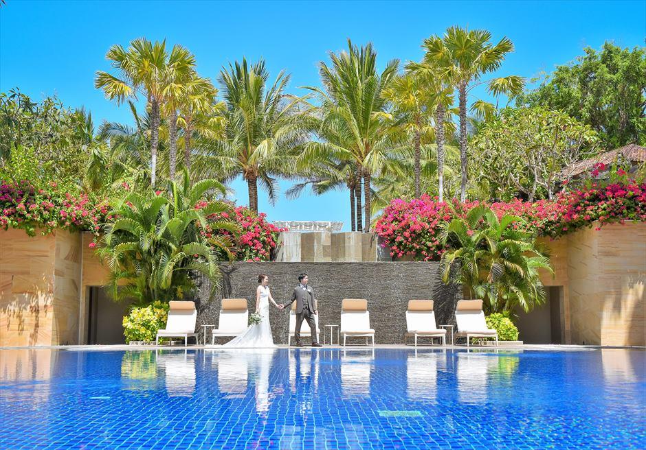 リゾート感溢れるムリアのプール フォト・ウェディング