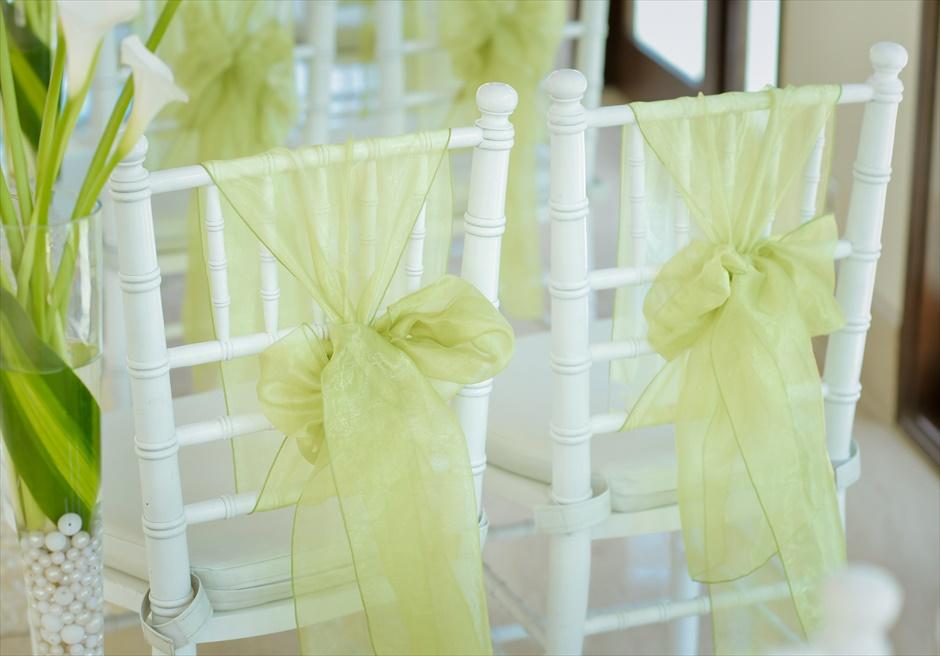 セント・レジス・バリ クラウド・ナイン・チャペル・ウェディング ティファニーチェア サッシュ装飾