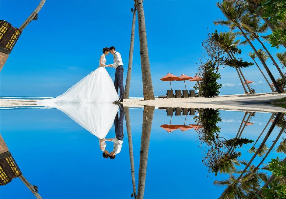 セント・レジス・バリ美しい白砂のビーチフォト・ウェディング