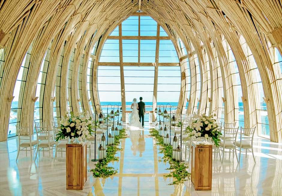 ジ・アプルヴァ・ケンピンスキ・バリ挙式 クラシック・ウェディング 美しい景色に溶け込む特殊装飾