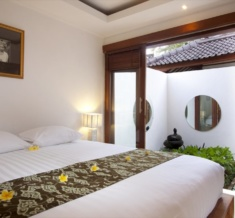 Room-Suite-Bed