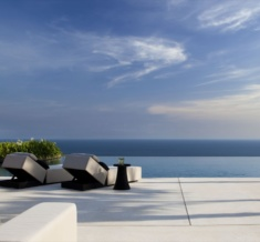 Alila Villas Uluwatu - Pool View From Lobby Living Room
