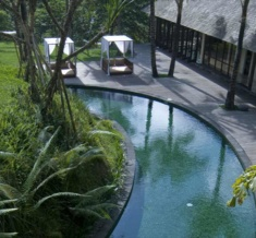 Komaneka_At_Bisma_Circular_Leisure_Pool_Highres
