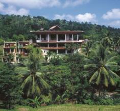 Resort's Exterior Overview