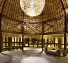 Wakagangga-Lobby-Area-Night