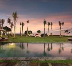 Wakagangga-Swimming-Pool-Sunset1