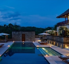 Amanusa-Villa-Pool-At-Night-1400X600