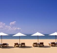 Beach-Sun-Loungers-1980X1340