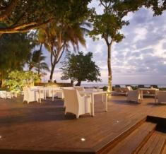 The-Sun-Deck-Rinascimento-Restaurant_Orig