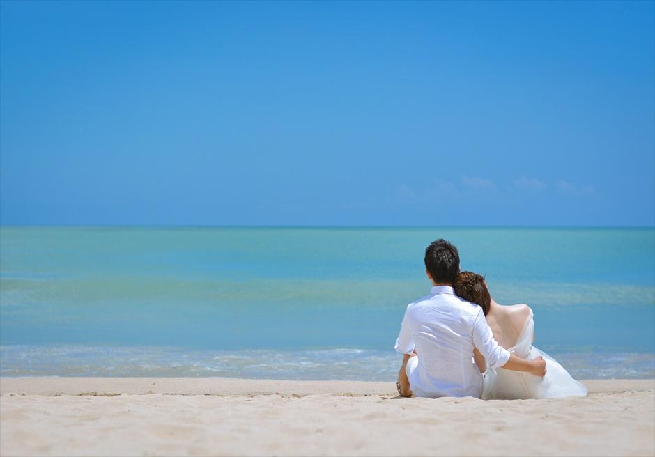 クラトン 白砂ビーチにてフォトウェディング