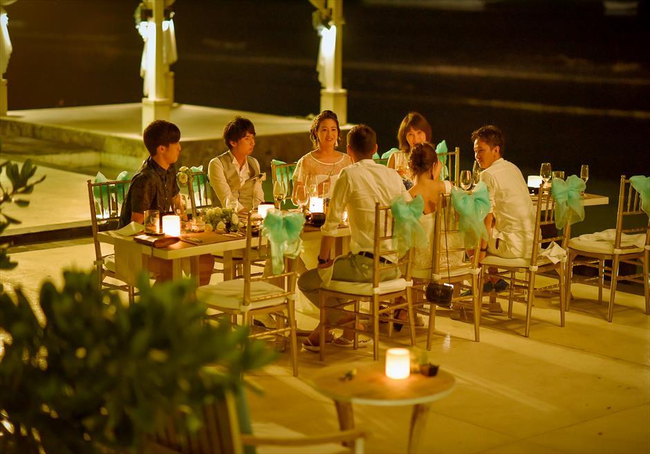 ご参列者とのパーティーは追加代金にて サンジェ・ラウンジに変更が可能です。