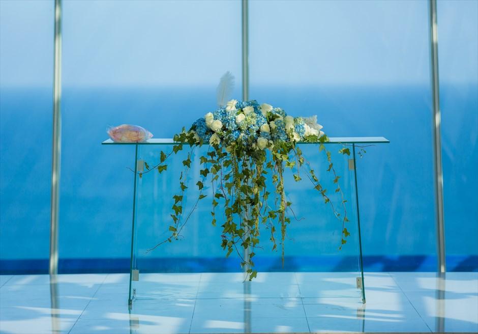 ホワイト・ダブ・チャペル 祭壇生花装飾