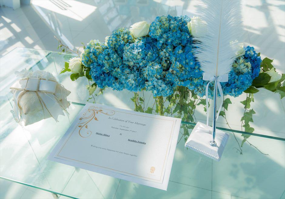バンヤン・ツリー・ウンガサン 生花の祭壇装飾&結婚証明書