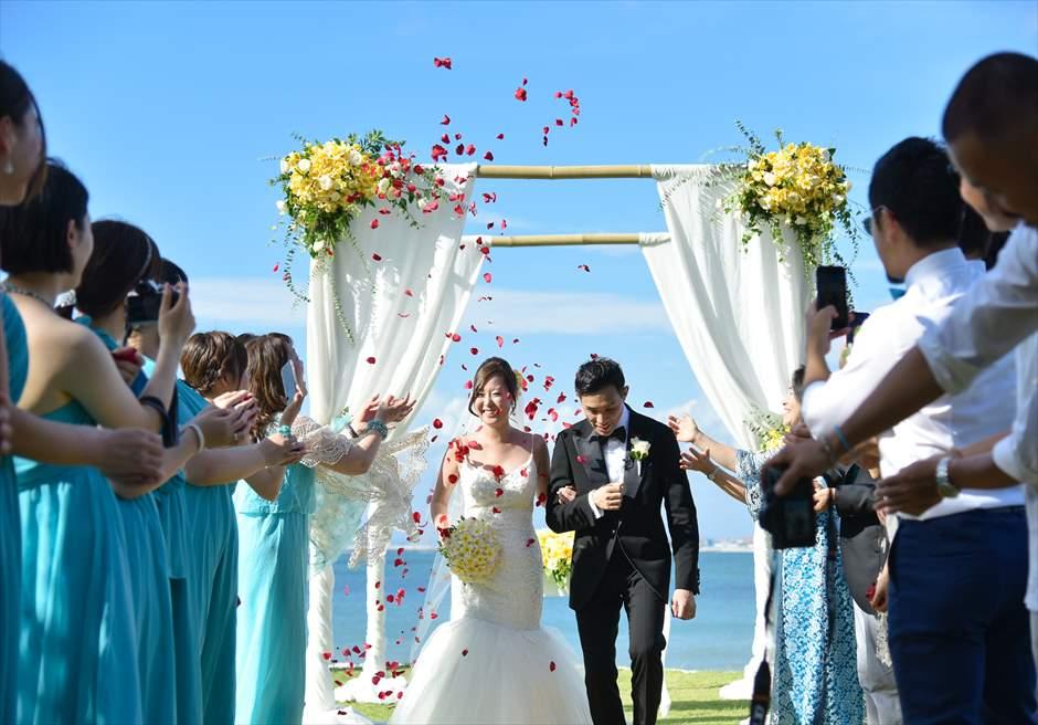 フォーシーズンズ・バリ・ジンバラン フラワーシャワー結婚式・挙式・ウェディング