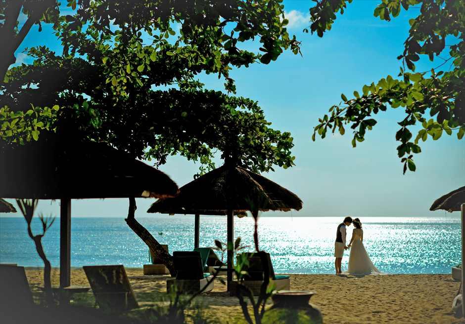 ベルモンド ジンバランビーチ サンセット