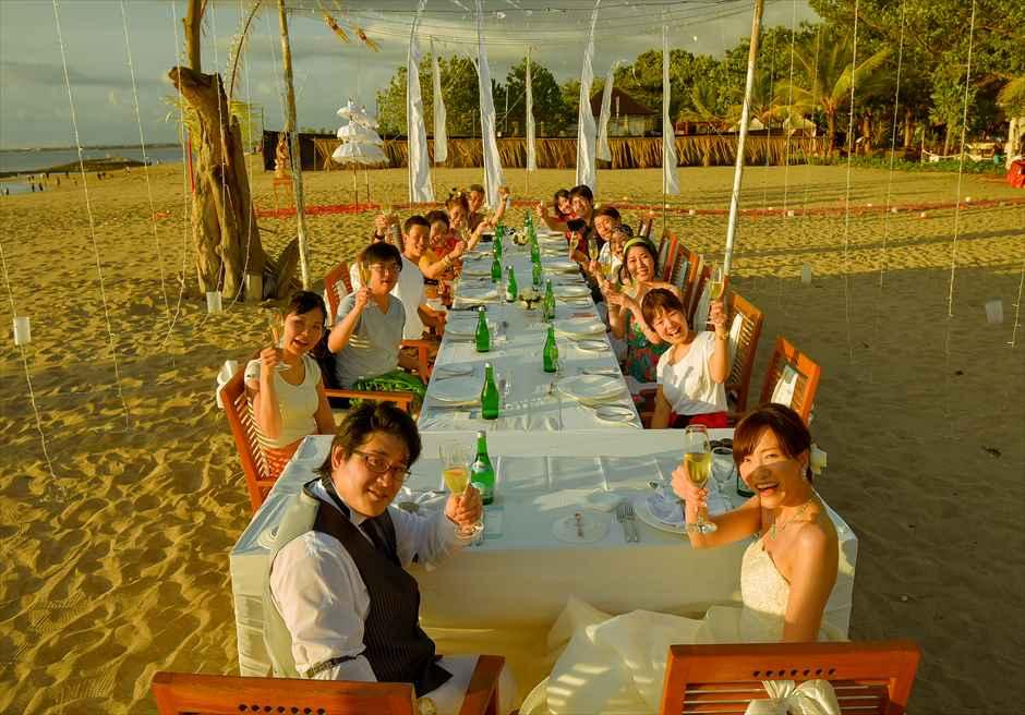 マ・ジョリー・レストラン ビーチ ウェディングパーティー