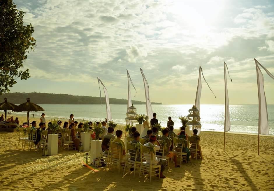 ベルモンド・ジンバラン サンセット・ビーチ挙式