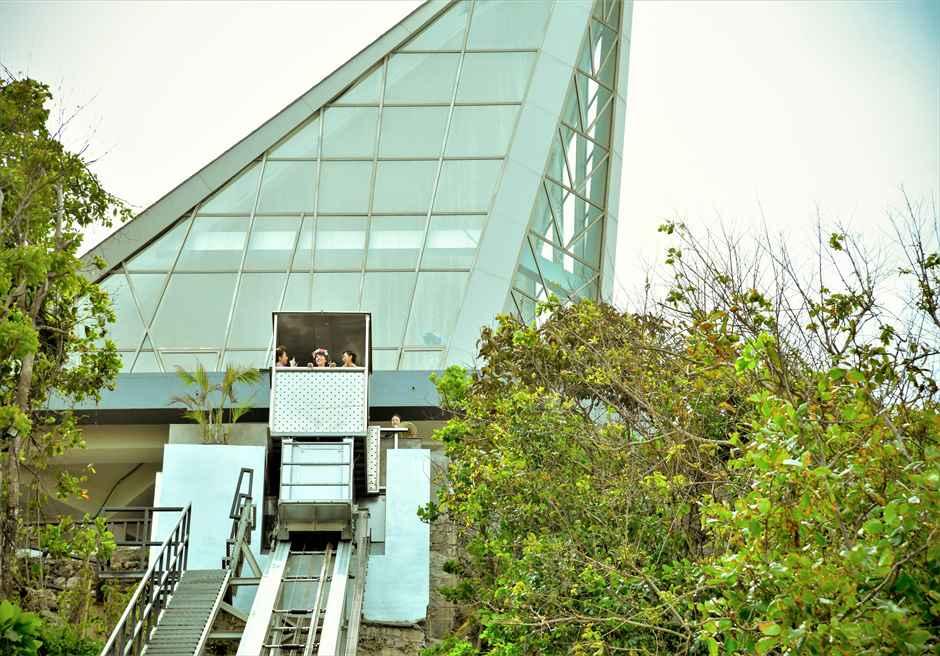 サマベ・バリ・ビーチへのエレベーターにて前撮り撮影