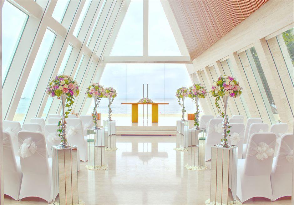 コンラッド・バリ インフィニティ・チャペル 生花挙式会場装飾ピンク&ホワイト