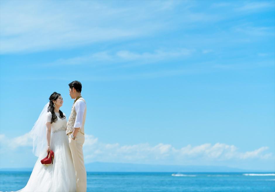 コンラッド・バリ 美しい真っ青な海 フォトウェデイング