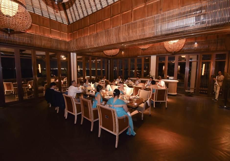 フォーシーズンズ・ジンバラン・バリ スンダラ・レストラン・ウェディングパーティー