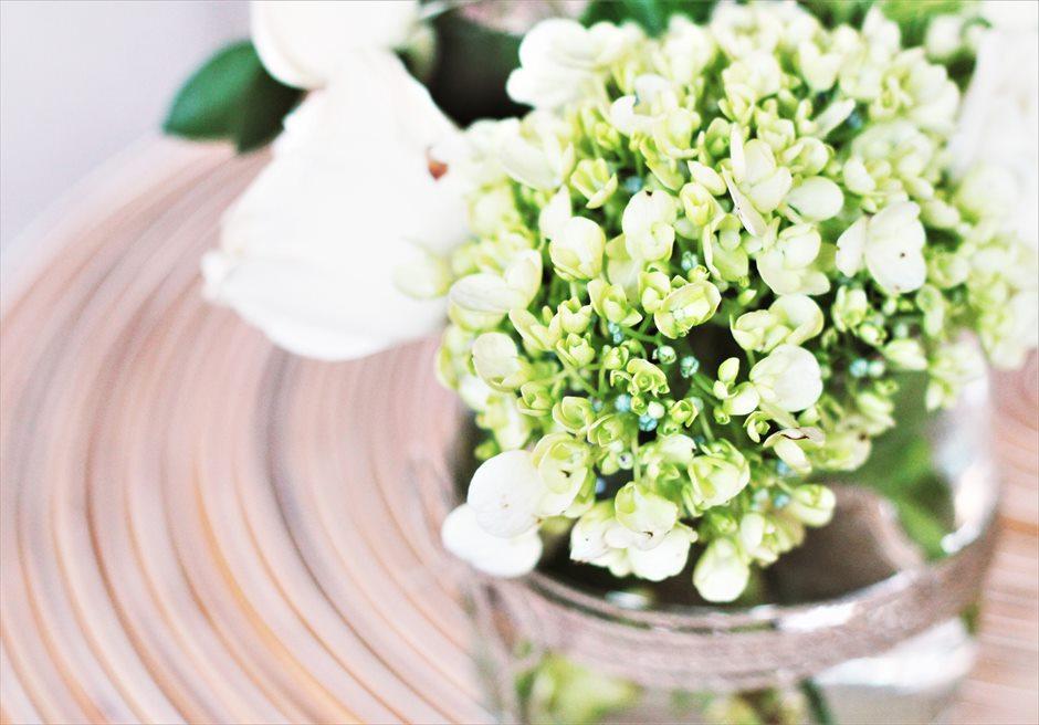 ザ・シャンティ・レジデンス・ヌサドゥア│ヴィラ・ウェディング│ラスティックスタイル 装飾│グリーン&ホワイト