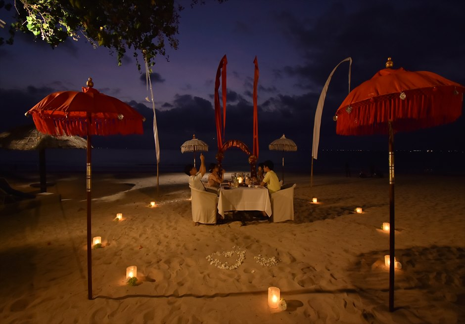 ベルモンド・ジンバラン・ウェディング<br>ガーデン挙式&ロマンティックディナー|9月 挙式  T.W.様&T.C.様