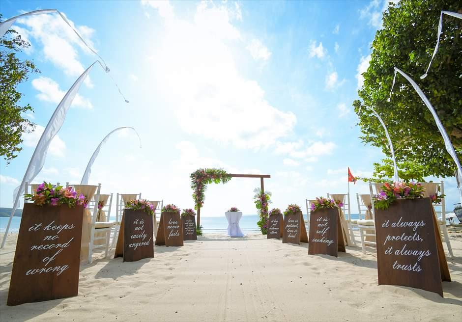 ベルモンド・ジンバラン ビーチウェディング 新装飾トロピカル
