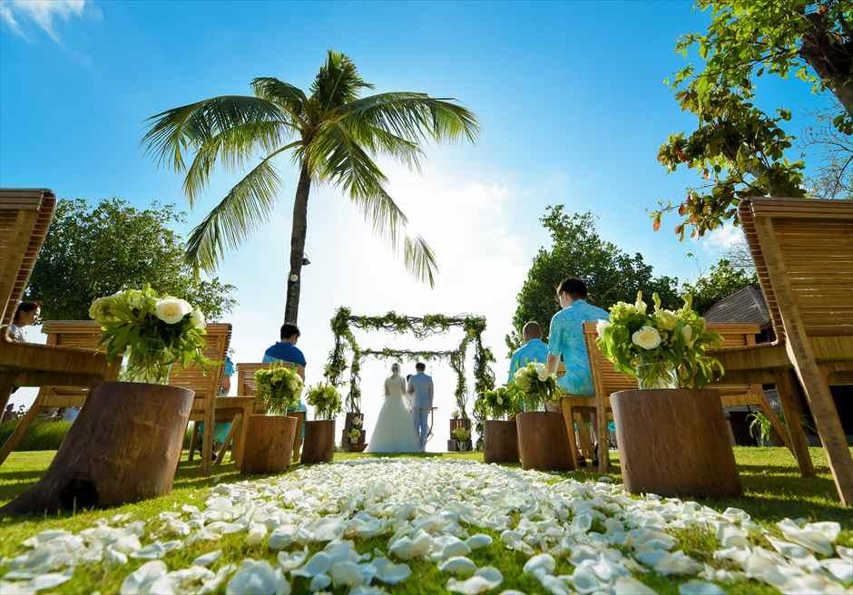ベルモンド・ジンバラン・ウェディング<br>ガーデン挙式&ガーデンパーティー|8月 挙式 F.J.様&F.S.様