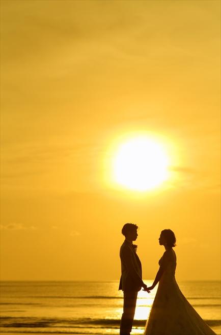 ベルモンド・ジンバラン・ウェディング<br>ビーチウェディング&ロマンティックディナー