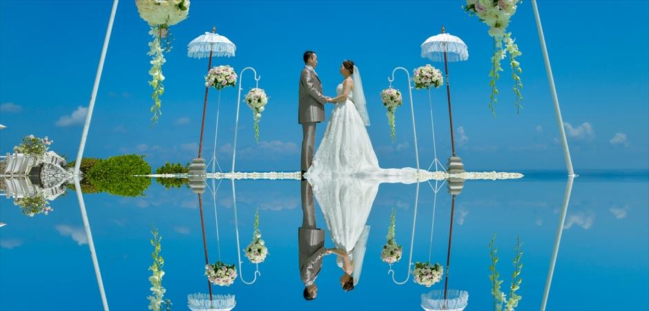 カルマ・カンダラ・ウルワツ挙式<br>ウォーター・ウェディング<br>ベルモンド・ロマンティック・ディナー