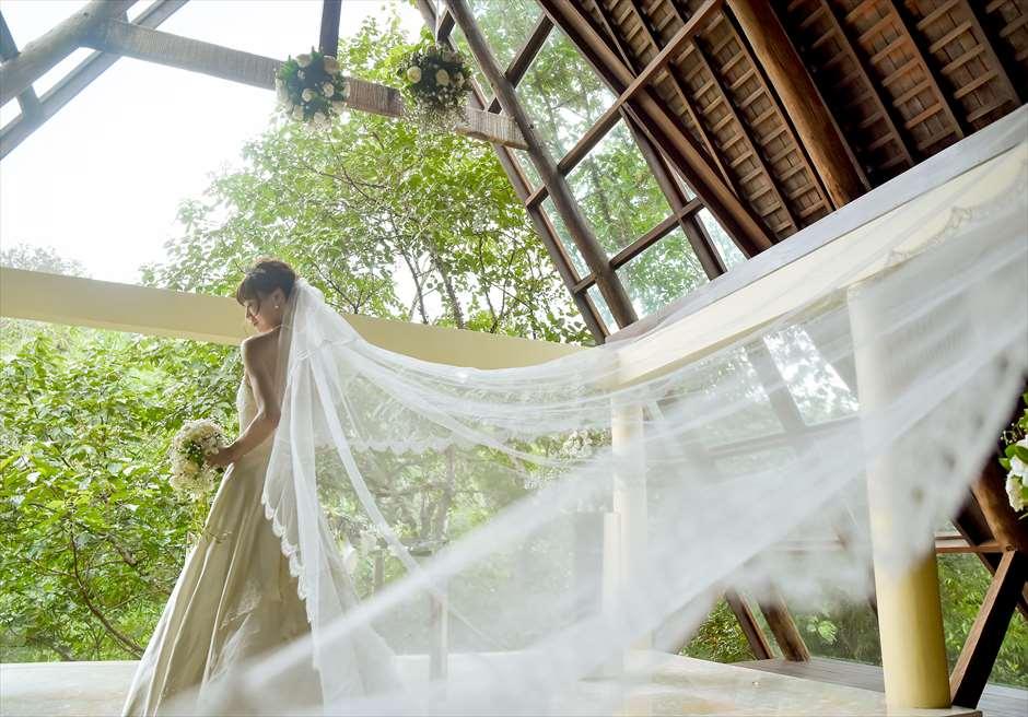 ワナスマラ・チャペルにて挙式後撮影