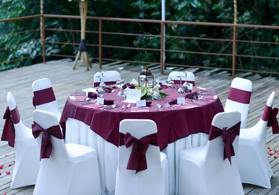 コマネカ・アット・ビスマ ラウンド・テーブル ウェディングパーティー