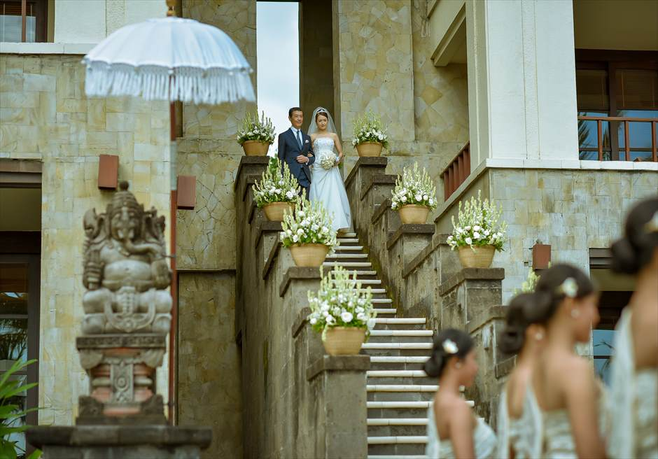 ザ・レギャン・バリ挙式 天使の窓から入場