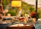 フォーシーズンズ・ジンバラン フォーショア・ガゼボ・ロマンティックディナー テーブルセッティング