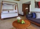 マヤ・ウブド・リゾート&スパ 1ベッドルーム・プトゥルヴィラ ベッドルーム