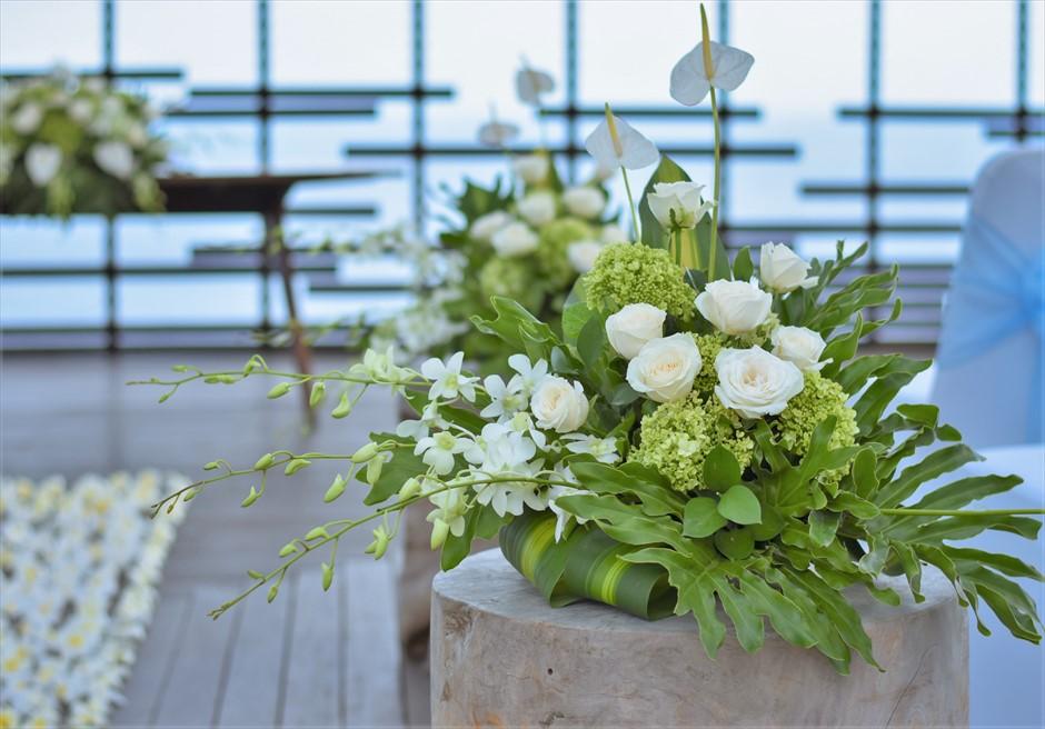 挙式会場装飾 生花のスタンディングフラワー