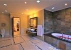 ザ・クンジャ 3ベッドルームヴィラ バスルーム