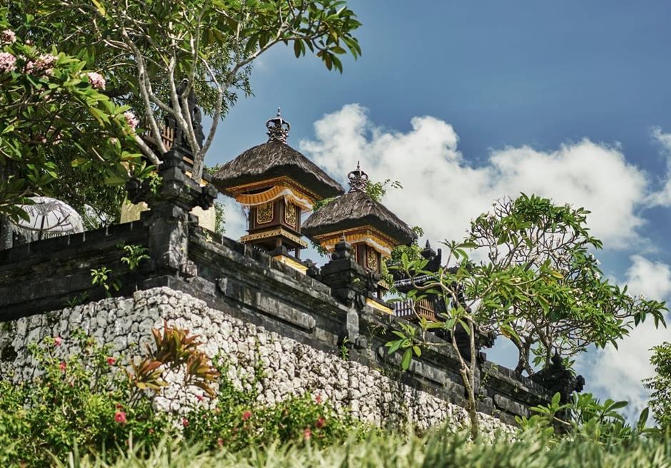 バリ島ウェディング フォーシーズンズ・ジンバラン ガーデン挙式
