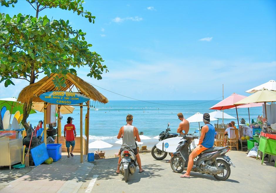 チャングー地区撮影ロケーション/ 外国人のサーファーが集うビーチ