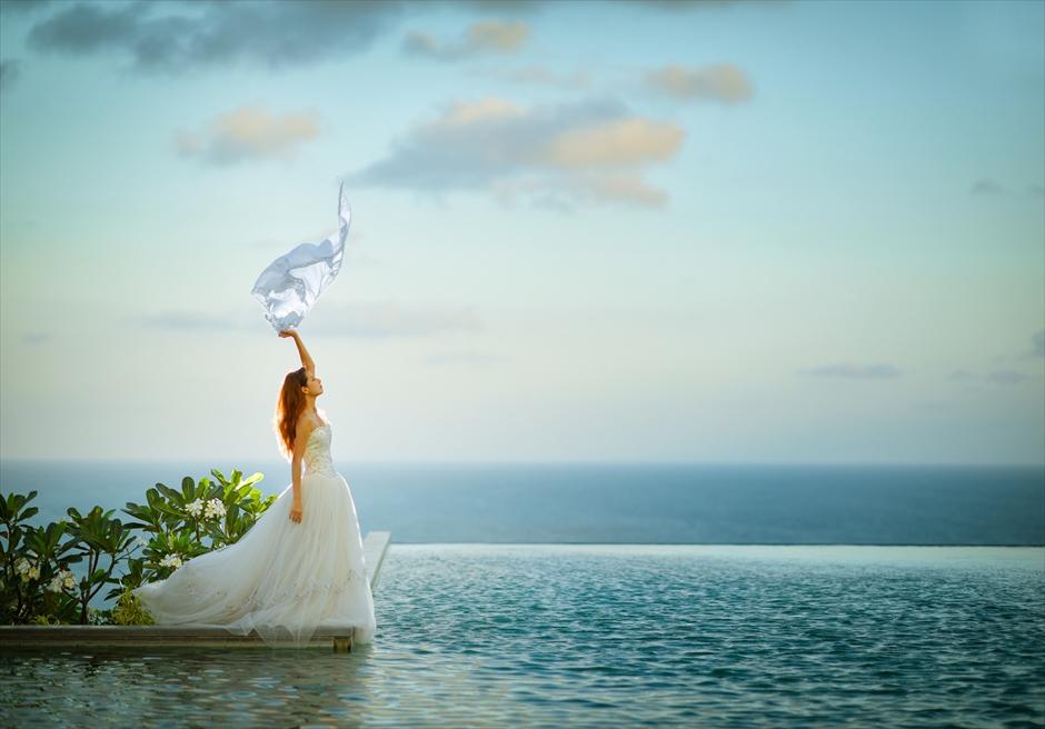 バリ島ウェディング・フォト【夕暮れ前】/ バンヤン・ツリー・ウンガサン<プール>